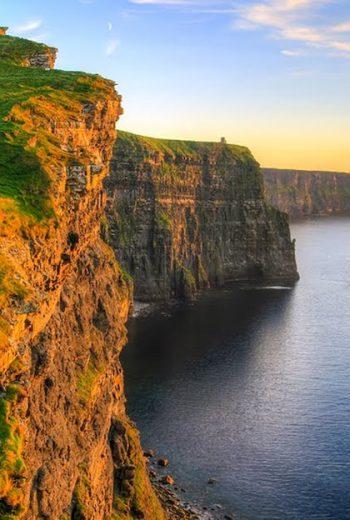 sunset Cliffs of Moher tour to ireland globe drifters