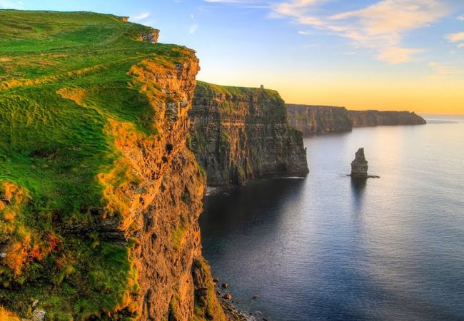 sunset Cliffs of Moher tour to ireland globe drifters